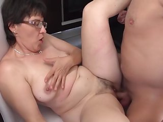 amateur mother suck and fuck young boy