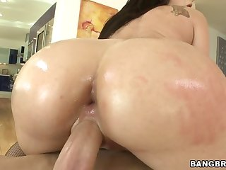 anal slut sheena ryder lets him ram his chubby rod in her tight anal hole