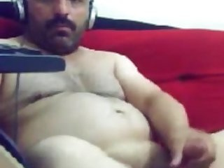 fat arab guy masturbating