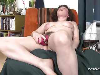 romy playing with her very hairy pussy