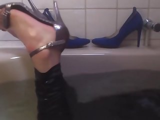 bath in sexy high heeled sandals