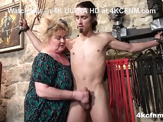 femdom bbw is so itchy she could eat a cock!